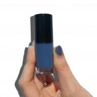 Sonnenschein-Nagellack Blau